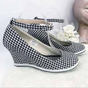 Volatile Houndstooth Ankle Mary Jane Wedge